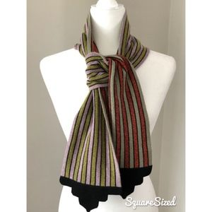 Striped neck scarf with Architectural detailed end